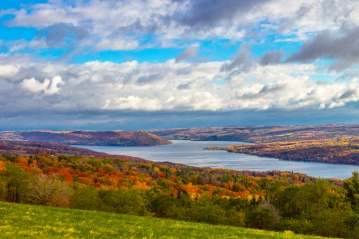 Keuka Lake Finger Lakes wine region New York State